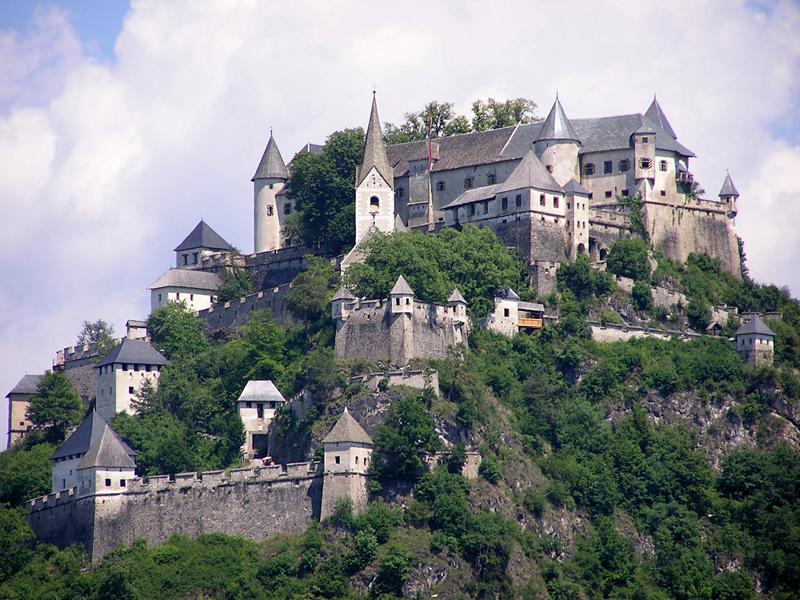 Kết quả hình ảnh cho Lâu đài Hochosterwitz
